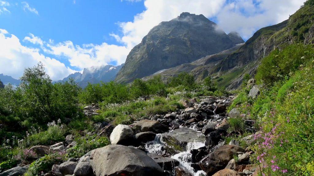 Stunning Mountains & Relaxing Music – Short Version